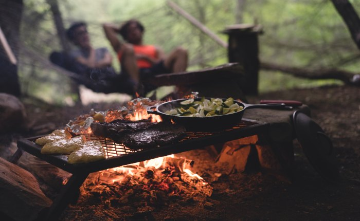 The Camping Kitchen: 7 Must-Haves for Cooking in the Great Outdoors